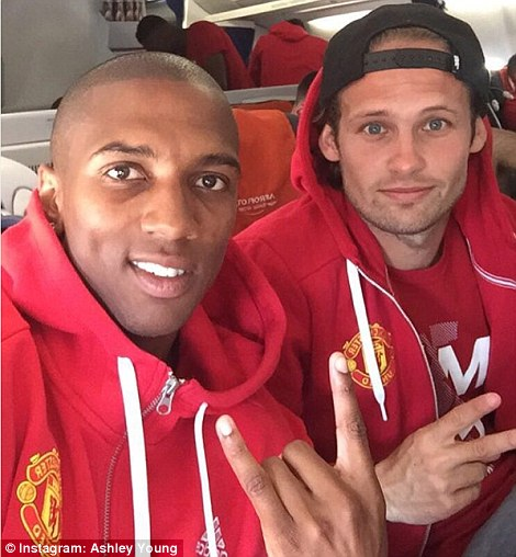 366B1AF700000578-3697765-Ashley_Young_joined_Daley_Blind_for_a_snap_prior_to_departure-m-6_1468948384761